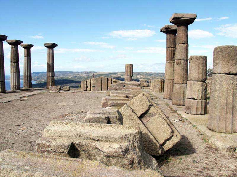 Sakinliğin tarihi etkisi; Assos