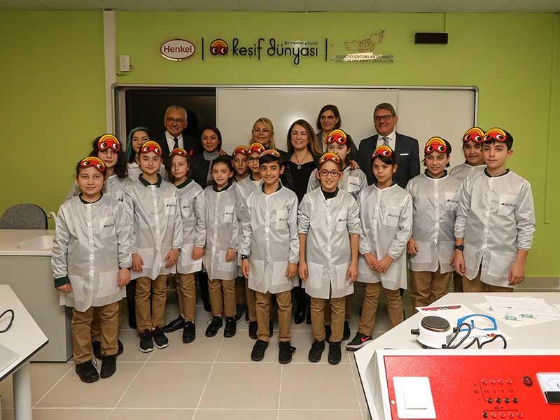 Henkel Keşif Dünyası'nın Türkiye'deki ilk merkezi Darüşşafaka'da